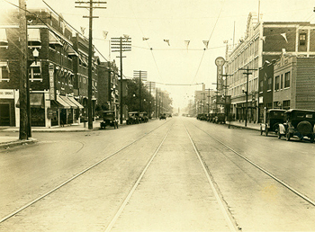 Delmar Boulevard, looking east, about 1925 from Missouri Digital Heritage