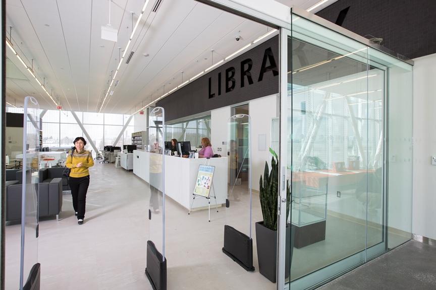 Ashtonbee library entrance