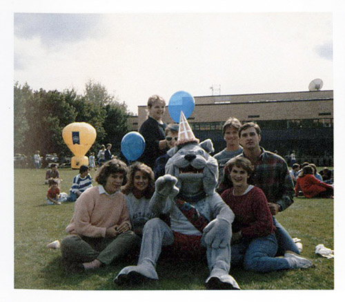 Spike and fans on Herak lawn during Gonzaga's Centennial, 1987