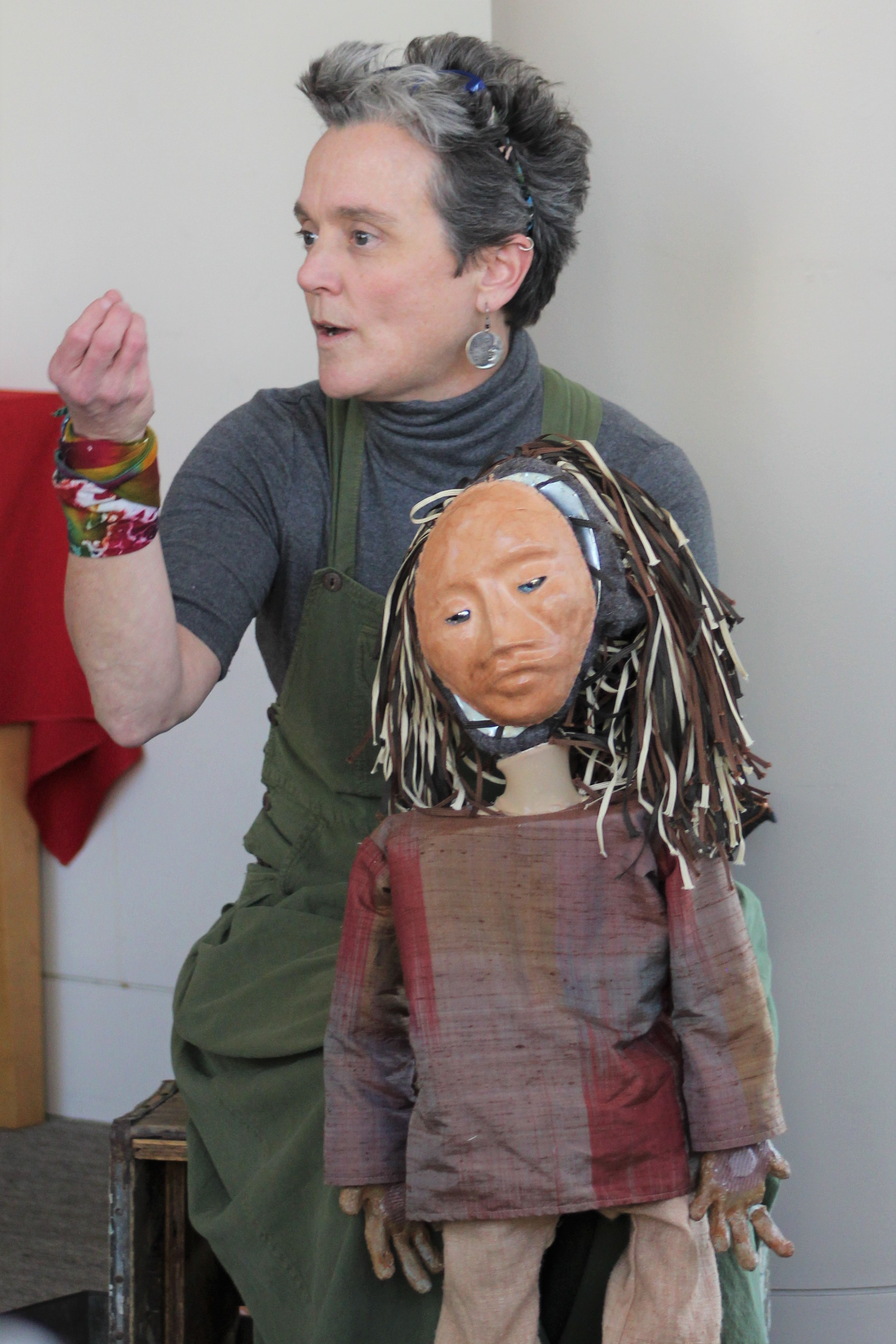 Sherry Harper-McCombs showing how to manipulate her puppet