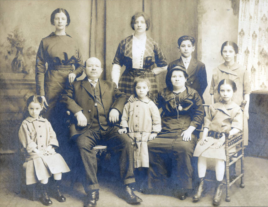 Portrait photograph of the Reher Family