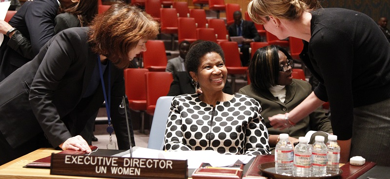 Phumzile Mlambo-Ngcuka (centre), Executive Director of the United Nations Entity for Gender Equality and the Empowerment of Women (UN-Women), speaks with Philippa Jane King (right), Deputy Permanent Representative of Australia to the UN, and Raimonda Murmokaité, Permanent Representative of Lithuania to the UN, 2014; UN Photo 583212
