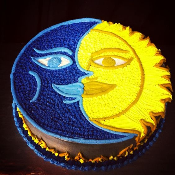 Sun and moon on a cake.