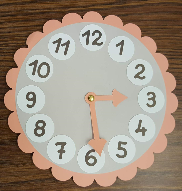 Clock for students to practice telling time