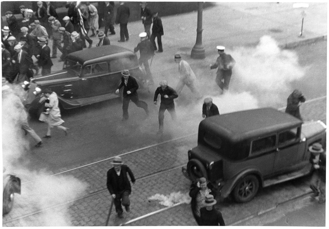 Using tear gas during truckers' strike, Minneapolis