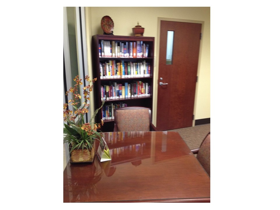 Bookshelf and study table in Baxley