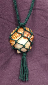 macrame shell necklace