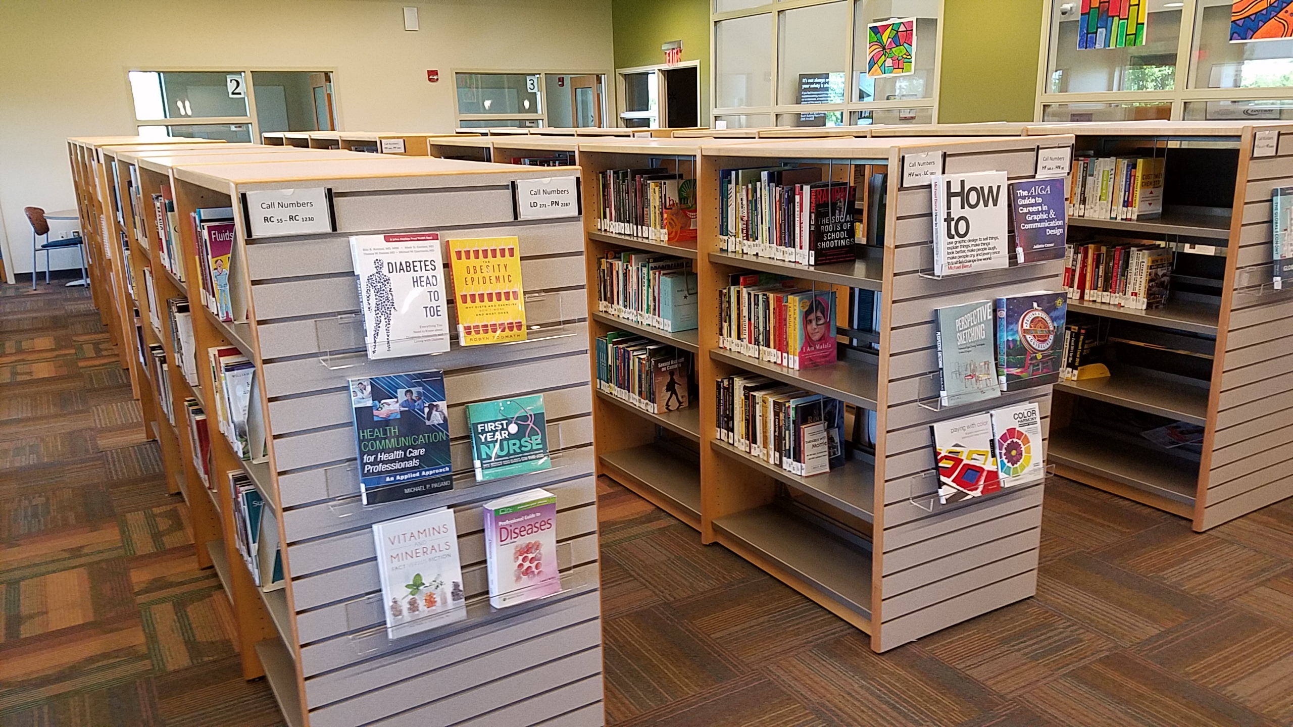 Image of the book shelves in the Elkhorn Campus Library.