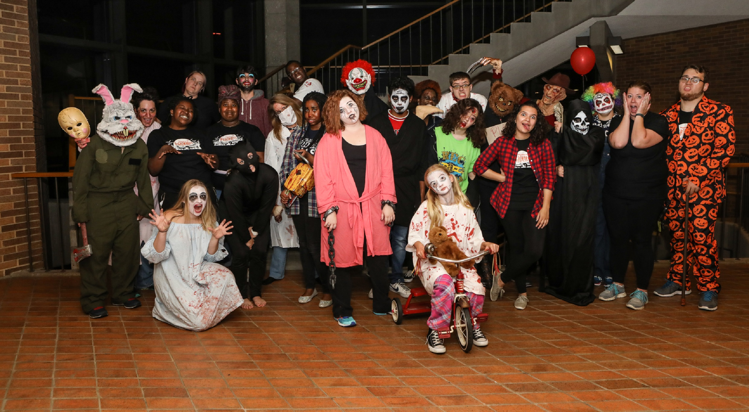 Haunted library 2017 volunteer group photot