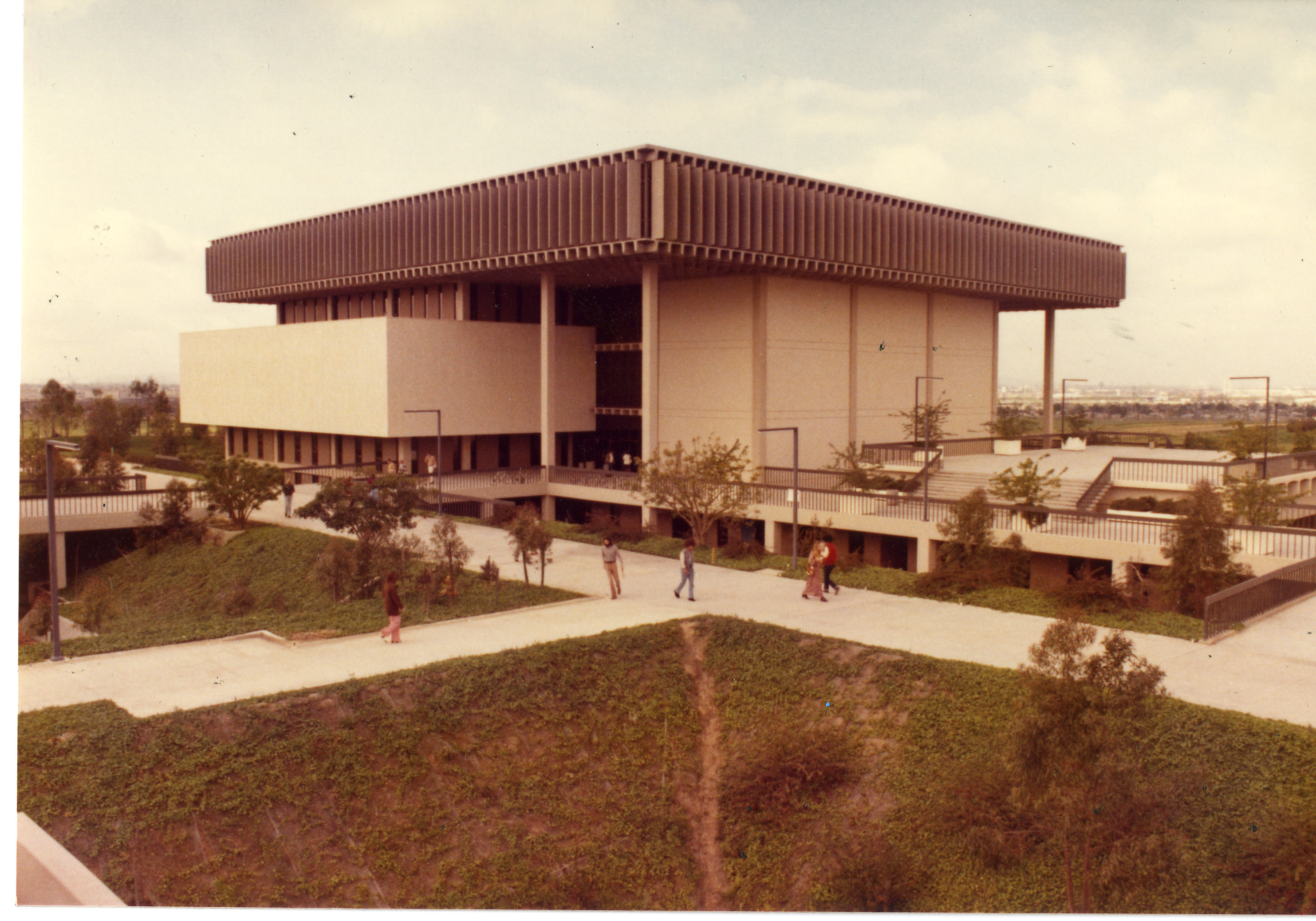 campus library building