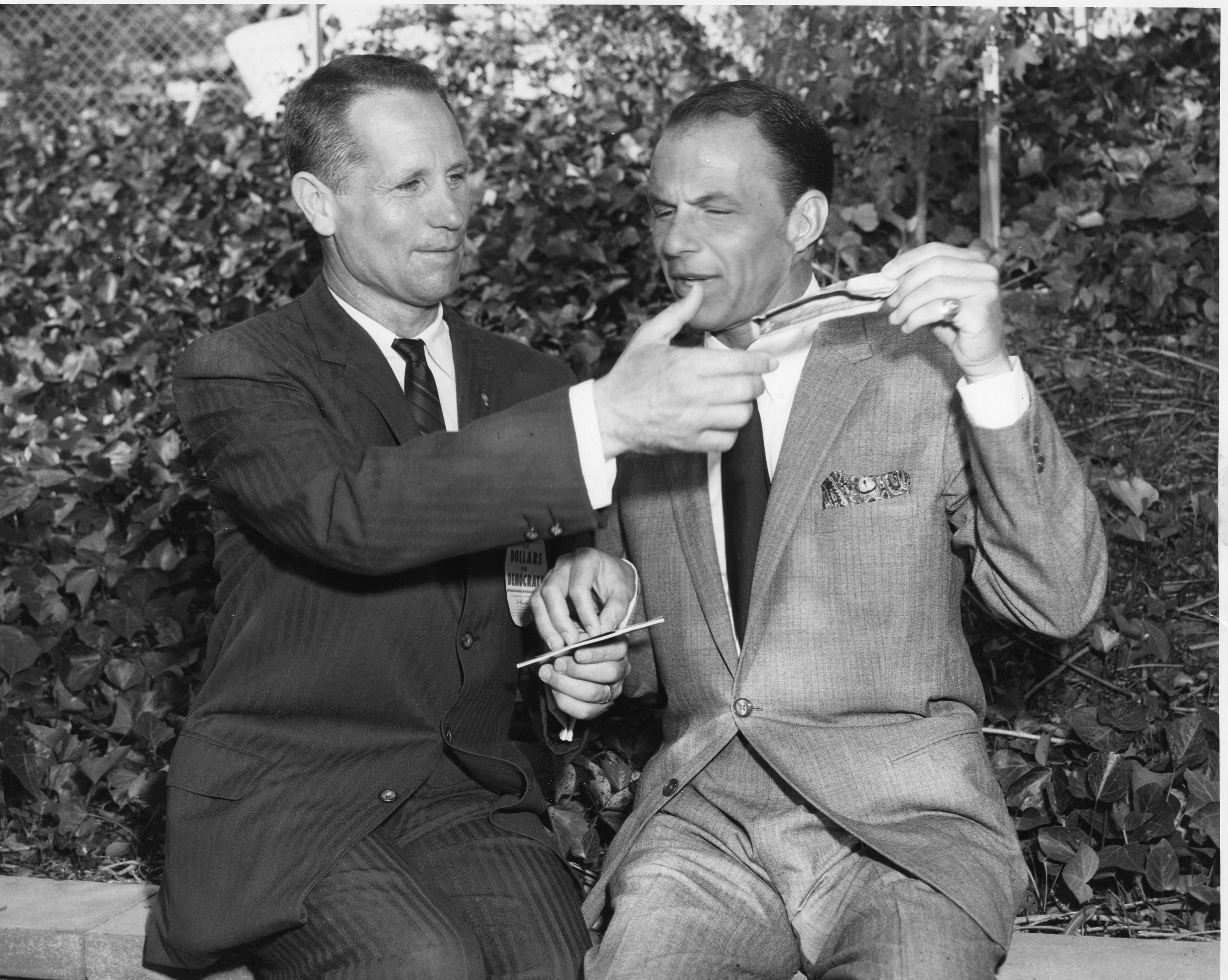 Image of Glenn Anderson and Frank Sinatra