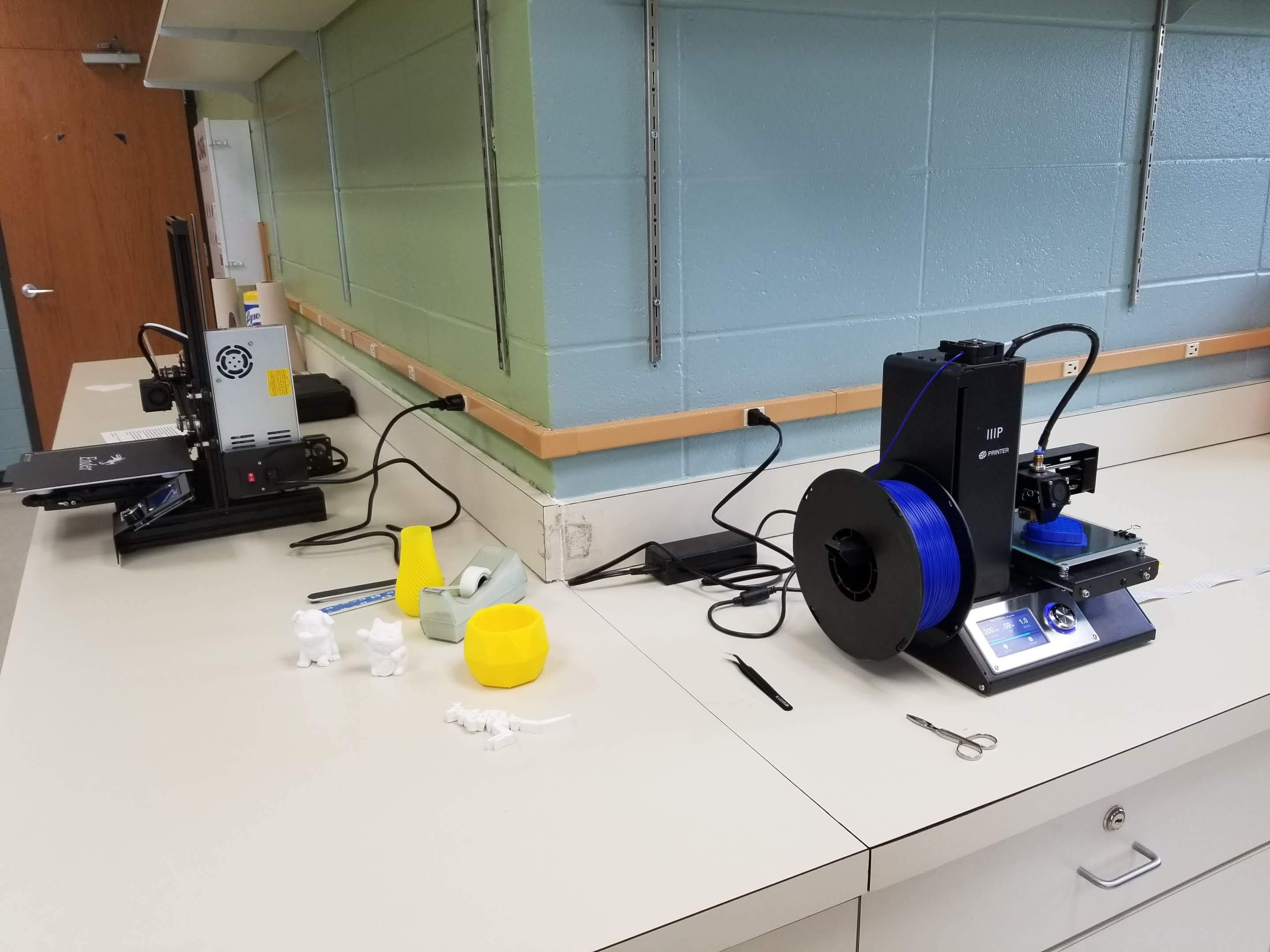 3D printers in the ECTC Library Makerspace