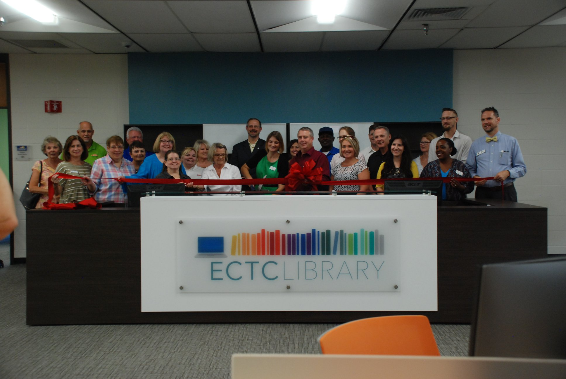 Assembled participants at the ECTC Library ribbon cutting