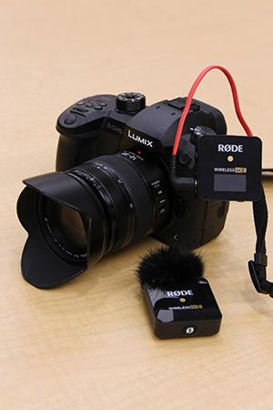 Rode Wireless Go II plugged into a Panasonic GH5 camera