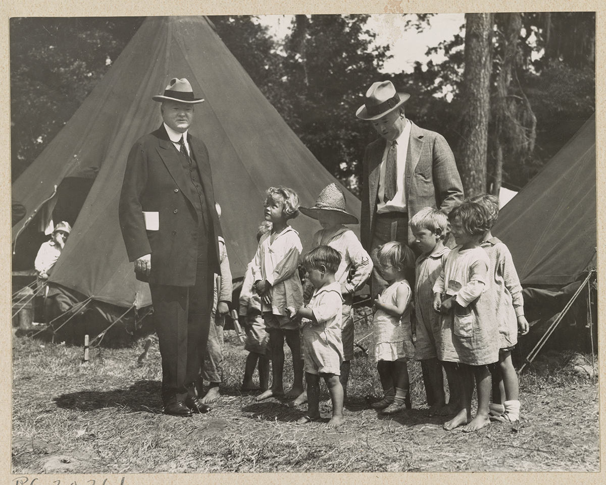 Hoover visits children displaced by the flood in Natchez, Mississippi