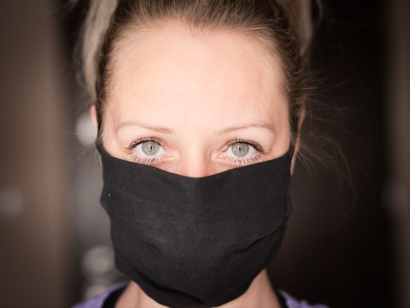 woman wearing a cloth facemask