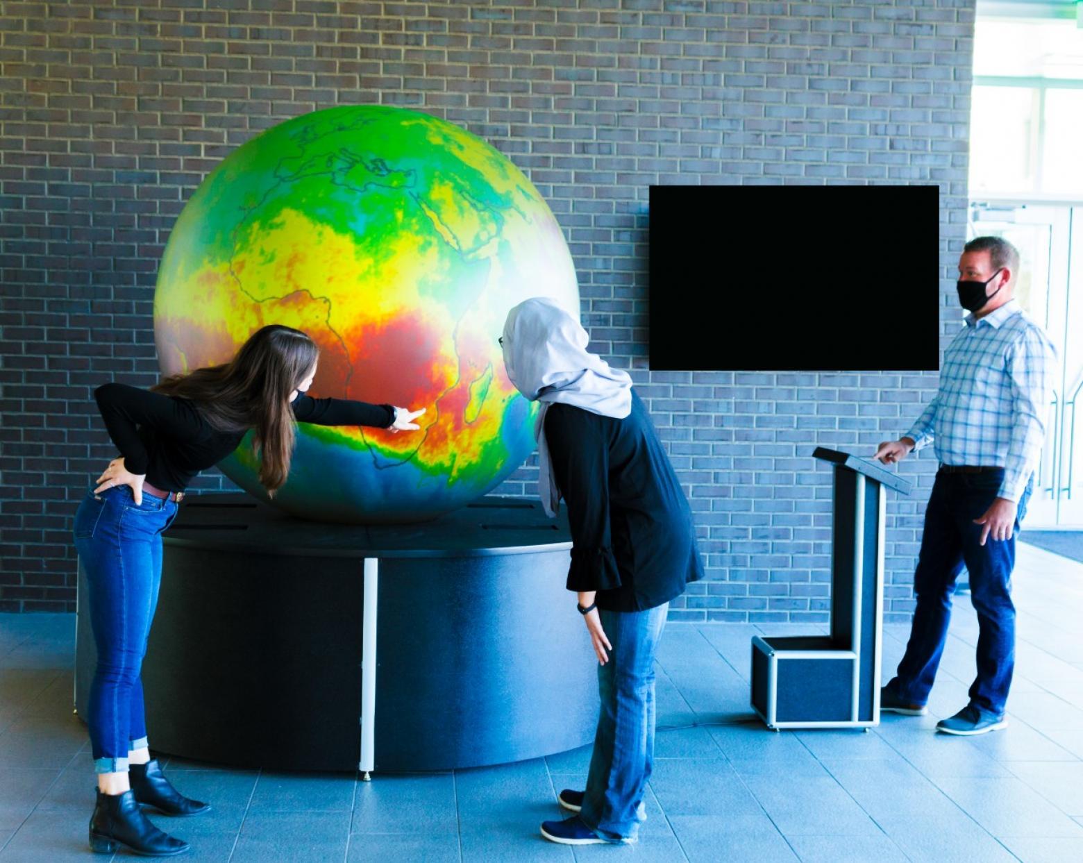 GeoDome Globe