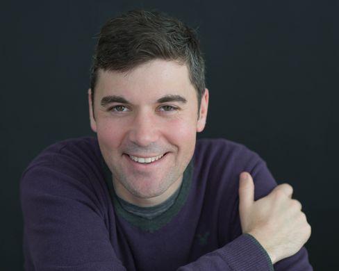 Photograph of author Eli Saslow