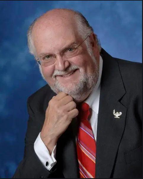 Dr. Bernard Fradkin Library Scholarship