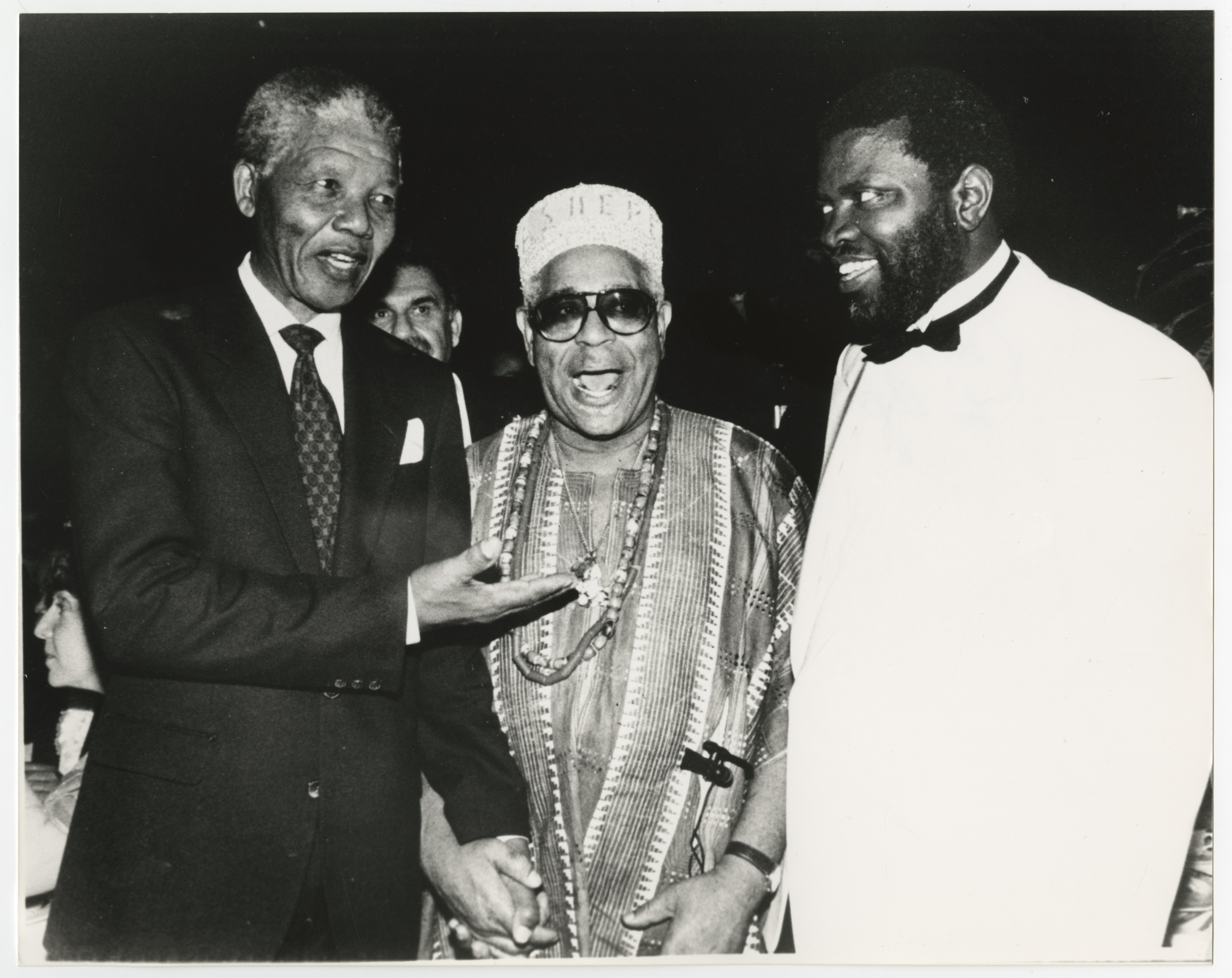 Nelson Mandela, Dizzy Gillespie and Hage Geingob pose together in 1990.