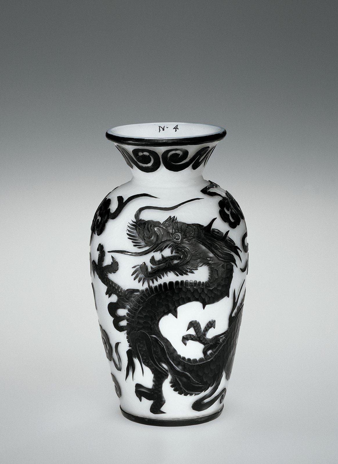 Cameo Vase (98.2.7), Joshua Hodgetts, maker