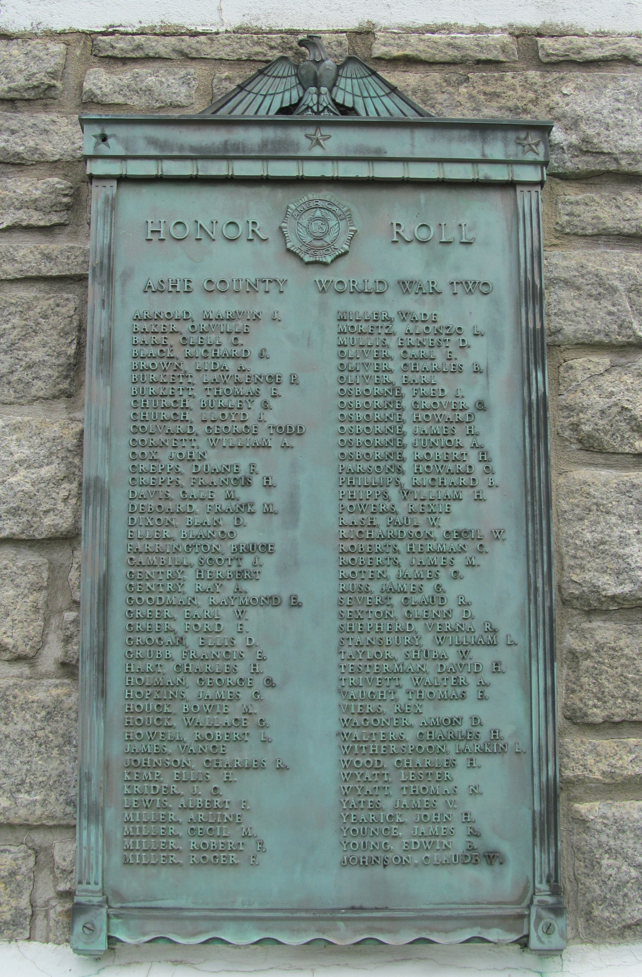 detail of plaque honoring veterans of WWII
