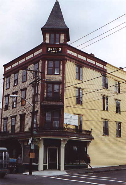 Picture of 401-403-405 Bridge Street