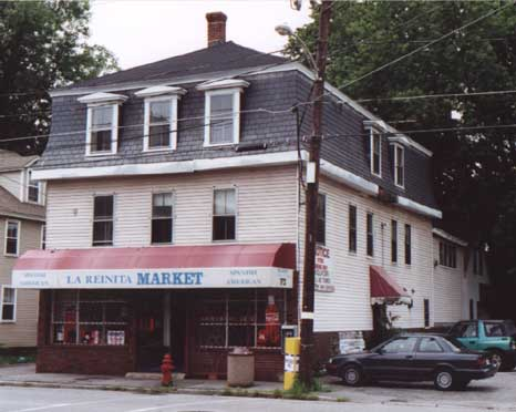 Picture of 172 Lakeview Avenue in 2000, with La Reinita Market awning sign