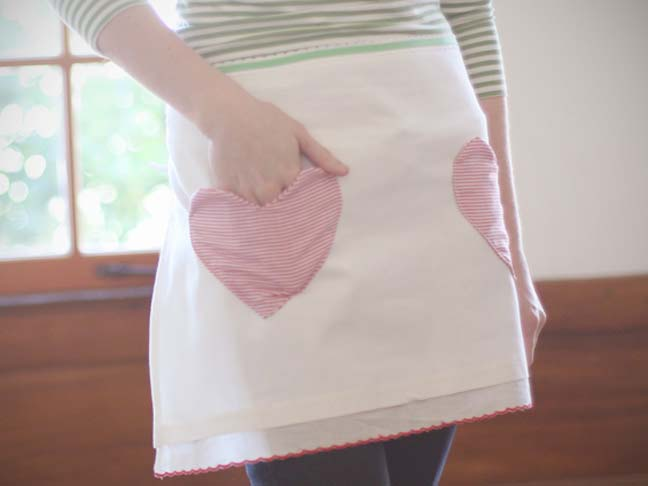 Discover: Sewing -  Dish Towel Apron with Heart Pocket