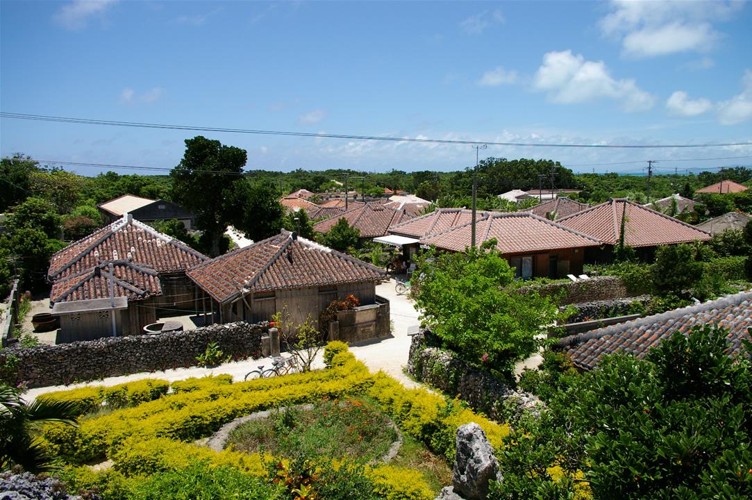 an island in Okinawa, blue sky blue ocean
