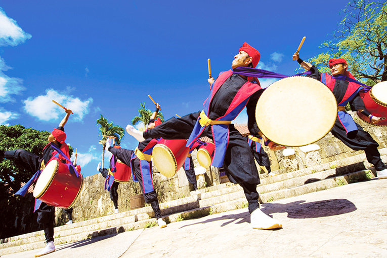 youth people are dancing Okinawan traditional dance