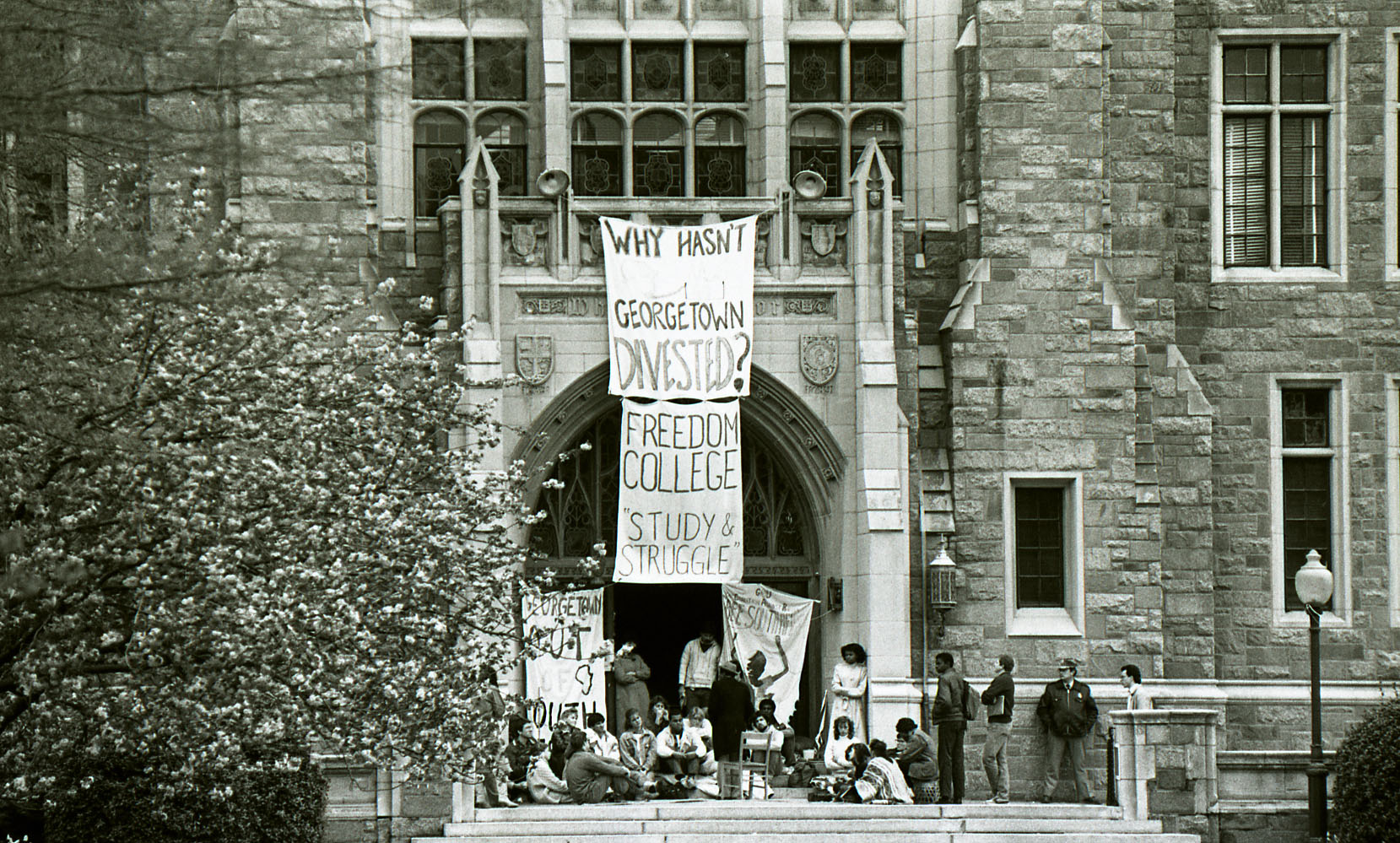 Students gather on the steps of White-Gravenor to protest Apartheid in South Africa and demand University divestment from South Africa
