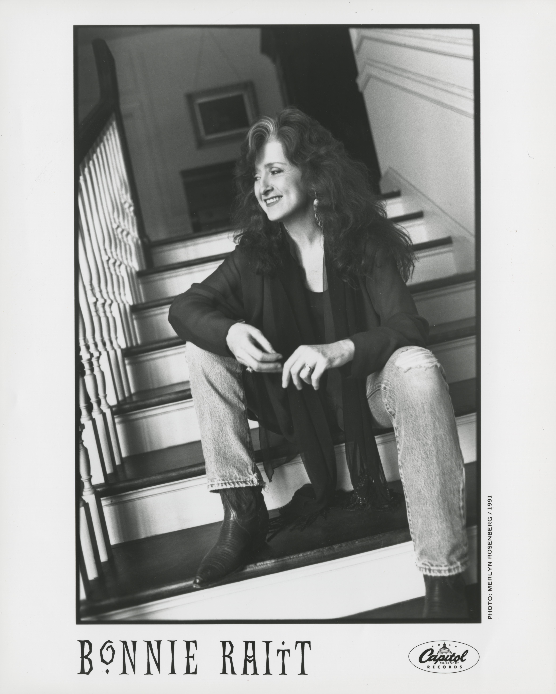 Bonnie Raitt promo photo