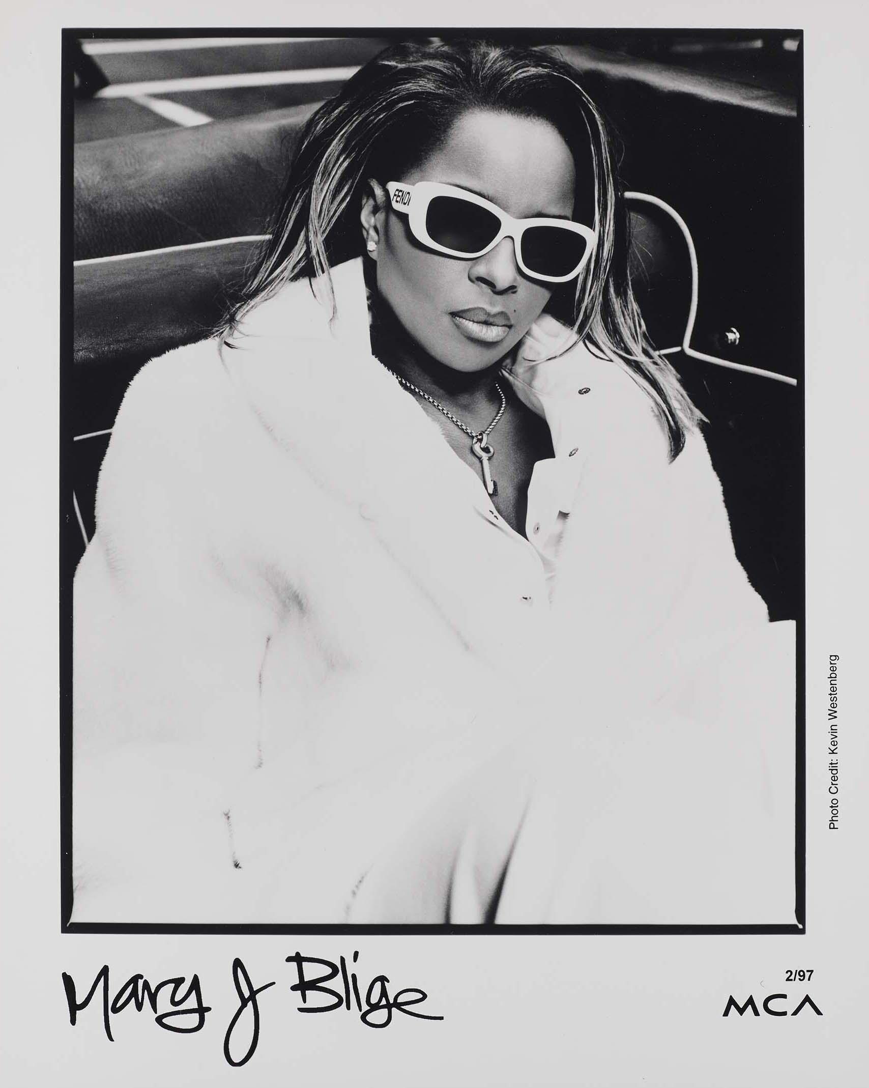 Mary J. Blige promo photo, 1997