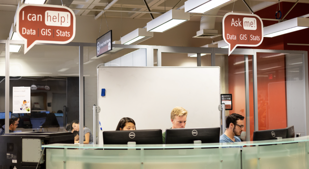 picture of the data and gis desk on the first floor of kennedy library