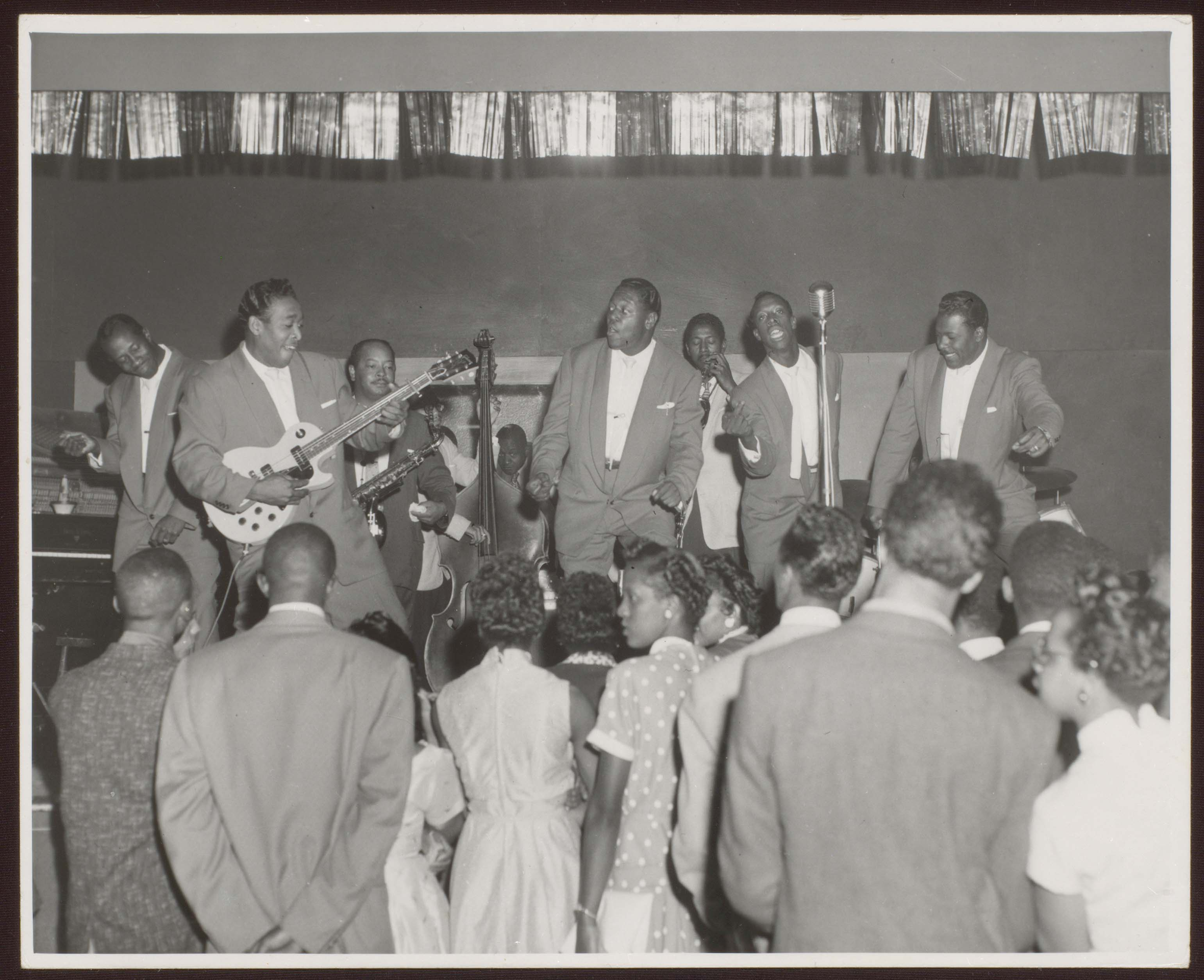 Drifters performing in Cleveland