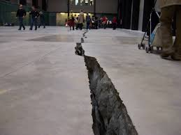 Image of Shibboleth by Doris Salcedo at Tate Modern