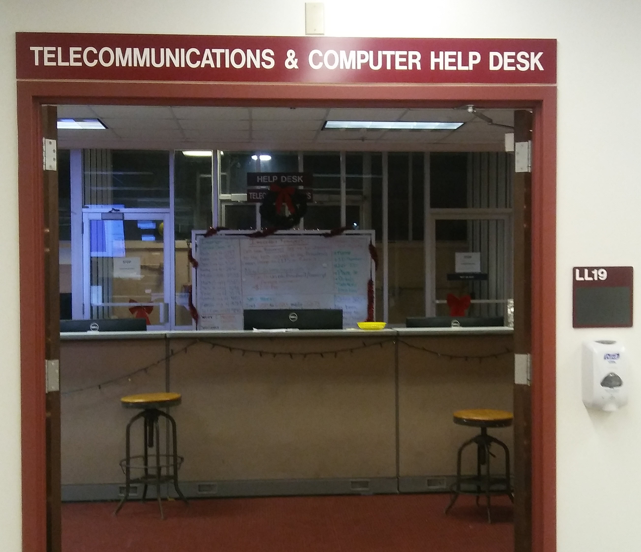 photo of the URI Help Desk