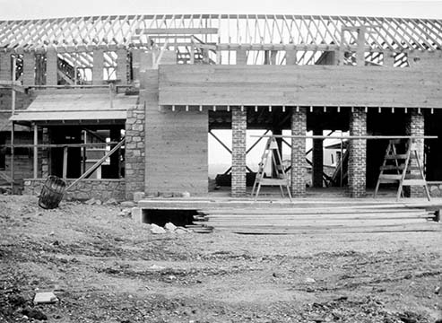 Graycliff mid-section under construction