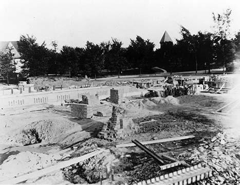 Exterior view of the Martin House complex under construction, August 26, 1904