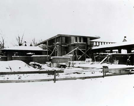 Exterior view of the Martin House and pergola under construction 1904