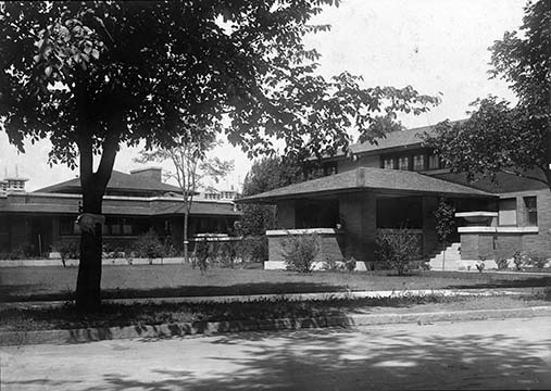 Exterior view of the Martin House conservatory and the Barton House, September 1905