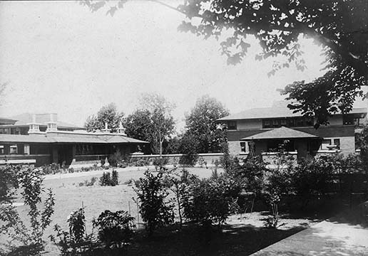Exterior viiew of the Martin House conservatory and the Barton House, September 1, 1905