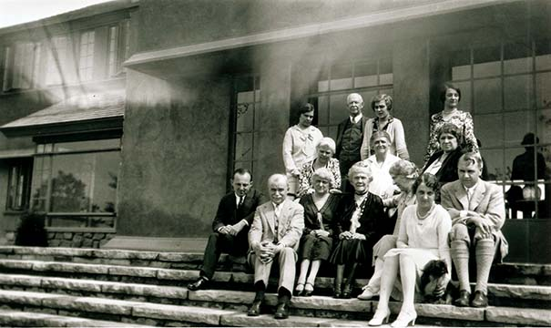 Darwin D. Martin's extended family posed for a photo on the steps of Graycliff