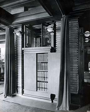 Bookcase in the Matrin House living room pier cluster, 1908