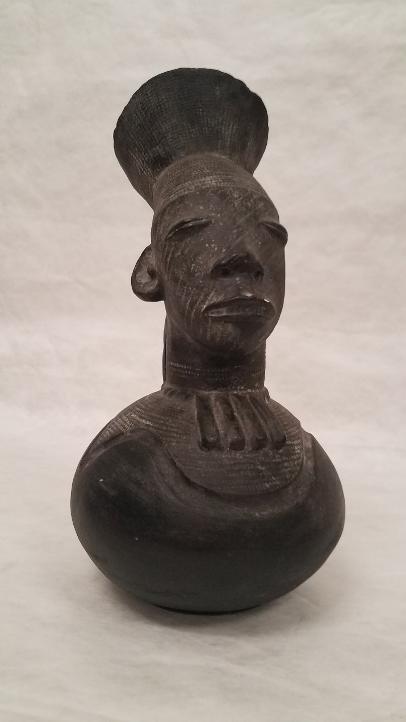 Mangbetu Effigy Jug (reproduction), Teaching Collection – Seton Hall University Museum of Anthropology and Archaeology Collection, T2017.01.0009, Courtesy of the Walsh Gallery