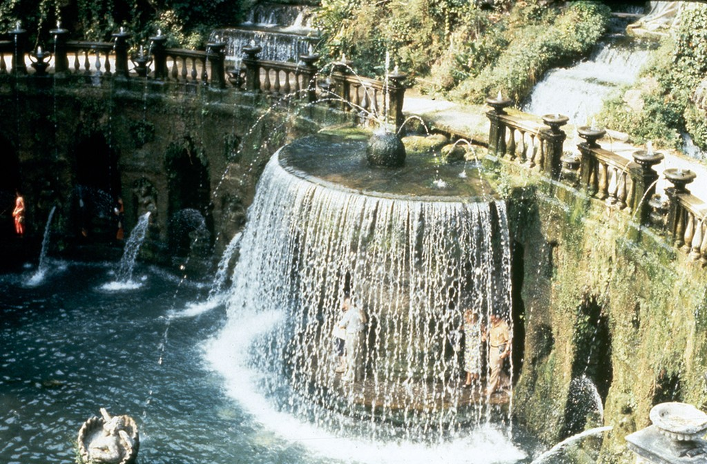 Image of Oval Fountain Villa d'Este