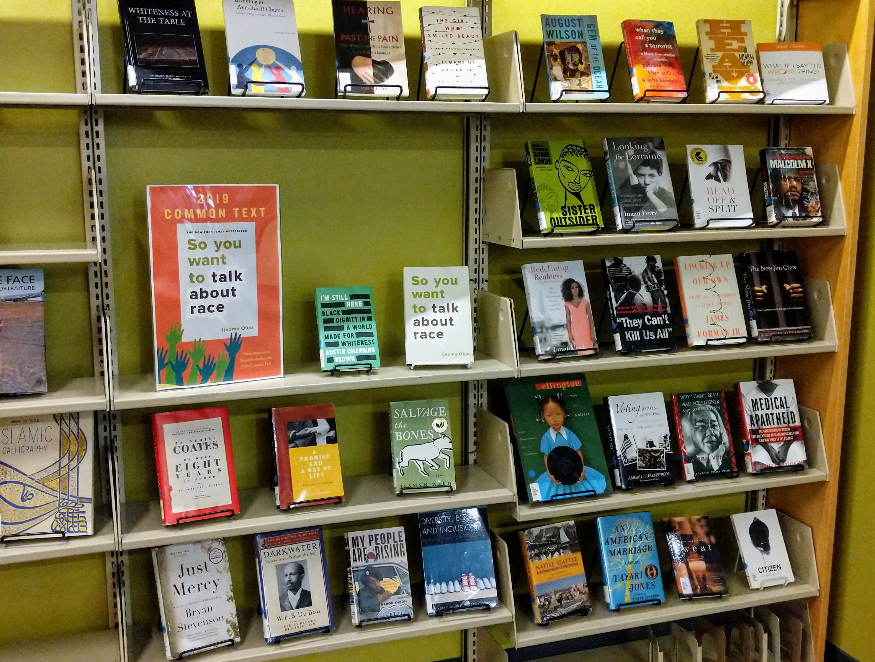 Picture of Common Text book display