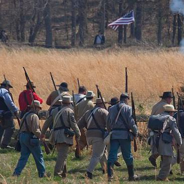 Reenactment of Civil War siege of April 1862