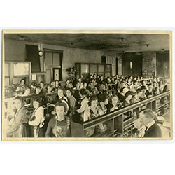 Photograph of women in a chemistry class